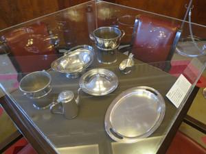 氷川丸-一等食堂で使用されていた食器類