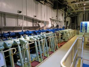氷川丸-機関室の風景(1)