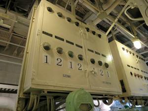 氷川丸-発電機用の機器